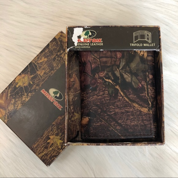 Mossy Oak Ladies Leather Camo Tri-Fold Wallet Boxed Pink Camouflage